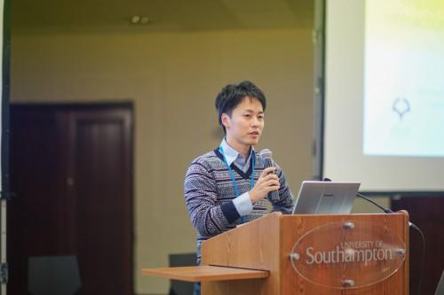 04 presenting-06